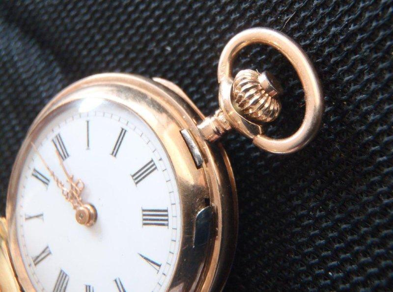 Hodinky sú vhodné aj na príležitostné nosenie a môžu byť nosené ako vreckové  aj ako príveskové na retiazke a krku.  na vyžiadanie zašlem ďalšie obrázky 0cb31e48442